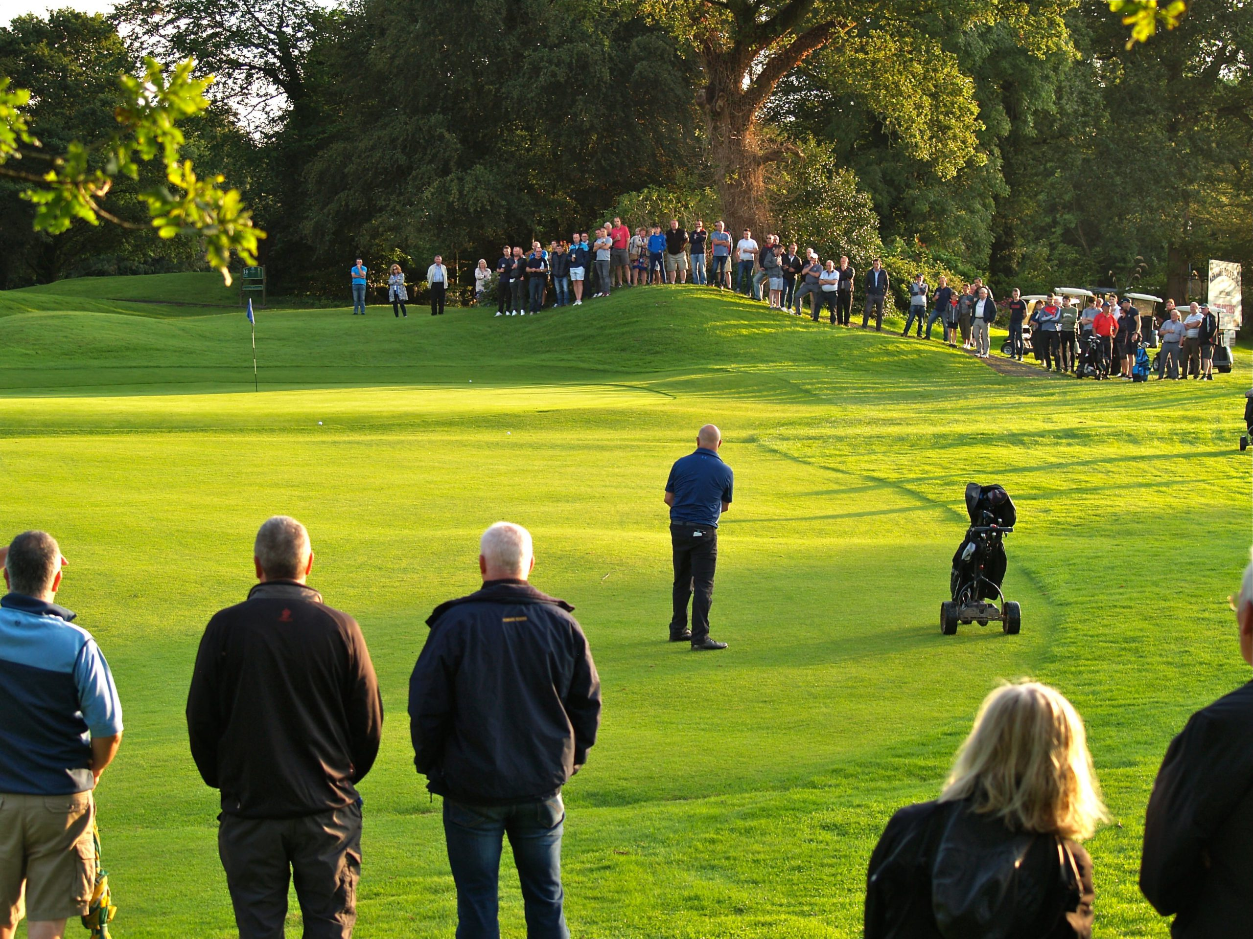Crowd watching the playoff for the Captains Prize